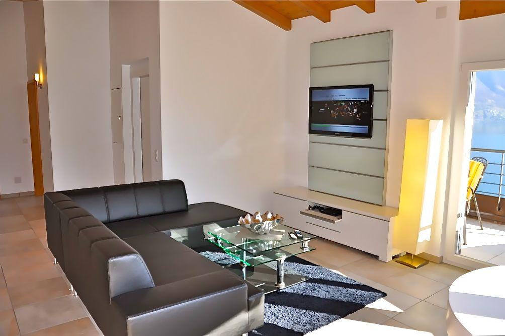 ferienwohnung locarno mieten tessin mit seesicht am lago maggiore. Black Bedroom Furniture Sets. Home Design Ideas